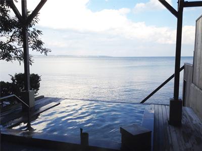 別府温泉おススメスポット「潮騒の宿 晴海」の露天風呂