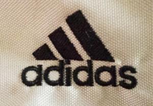 アディダスの一般の2本線のロゴ