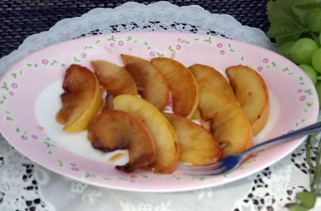 ローラ風ココナッツオイルの焼きりんごの出来上がりの画像