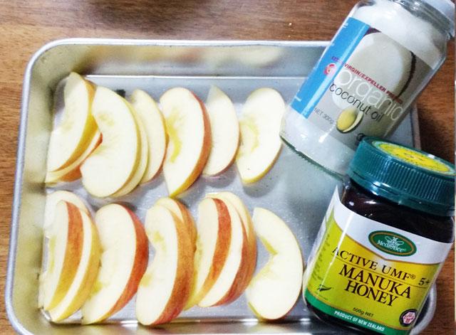 ローラ風焼きりんごの材料の写真